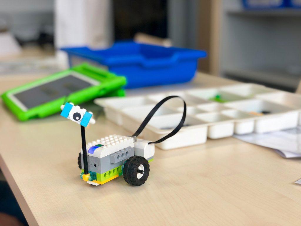 Ein Einsteigerprojekt mit Lego WeDo 2.0: Der Roboter-Spion